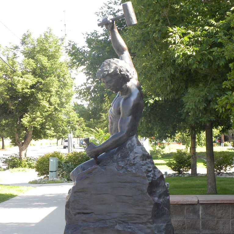Custom Made Self Made Man Statue Famous Bronze Sculpture Replica for Sale–M-03