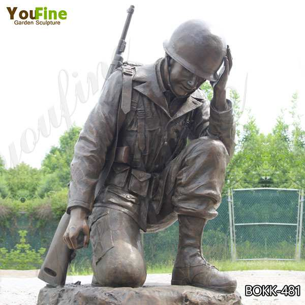 Custom Memorial Casting Bronze Kneeling Soldier Statue for Sale BOKK-481
