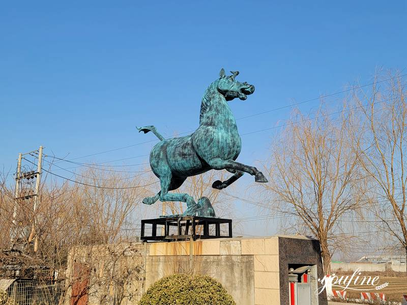 Bronze horse sculpture (1)