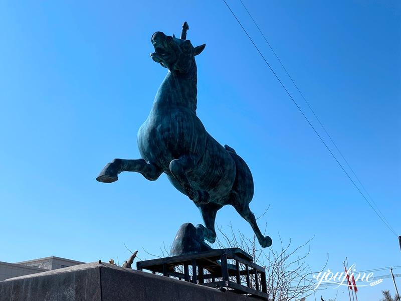Horse statue decor (1)