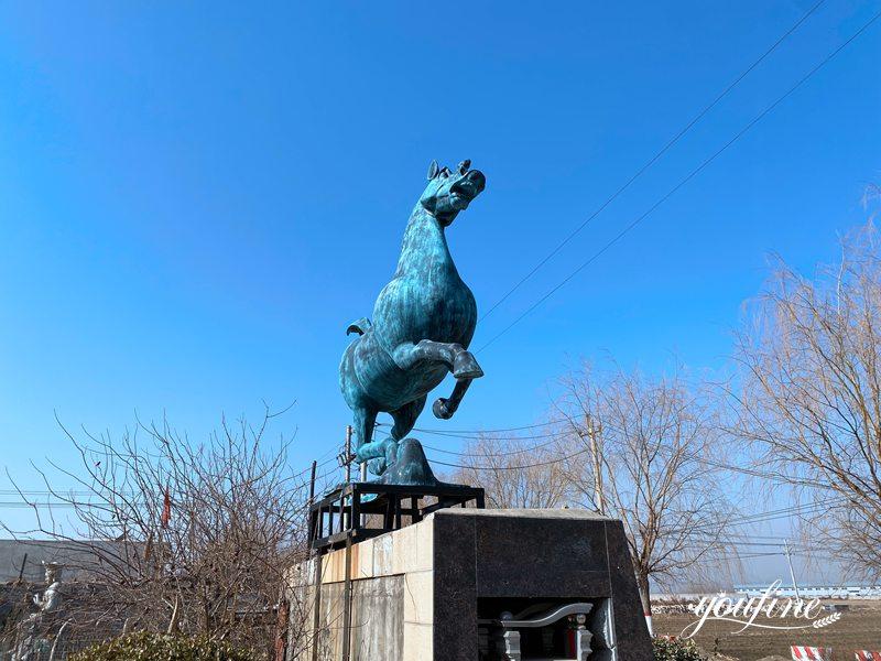 Horse statue decor (2)